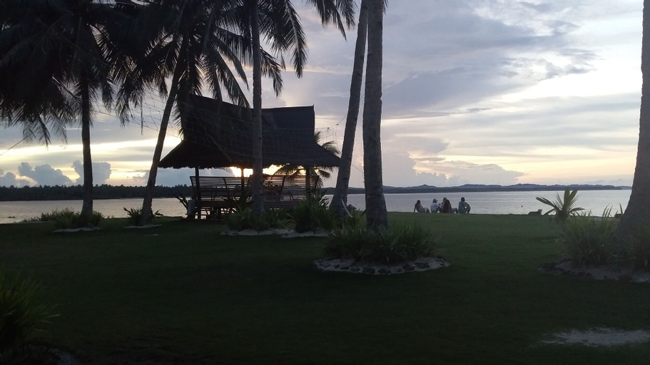 Ocean 101 Cloud 9 Beach Resort, General Luna