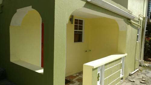 Edwins Apartment- The Secret Hideaway,