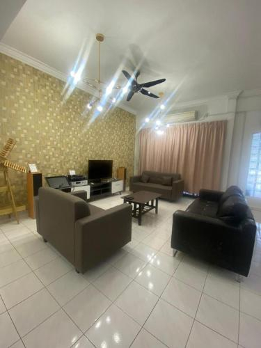 5min @bukit indah@perling@4B3B, Johor Bahru