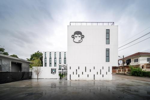 Blu Monkey Hub & Hotel Ranong, Muang Ranong