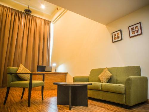 CEO ( Executive Office Suites ), Pulau Penang