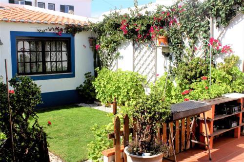 The Garden House, Peniche