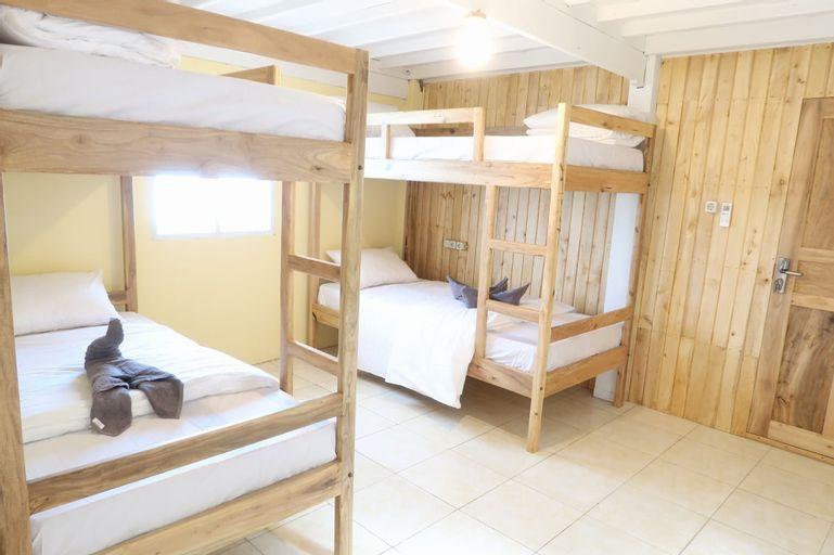 Phinisi Hostel Bira, Bulukumba