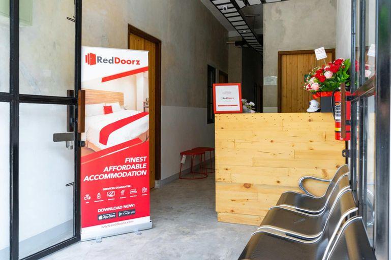 RedDoorz near Sam Poo Kong 3, Semarang
