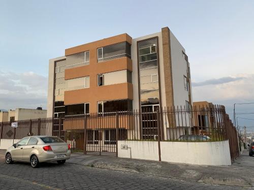 Instant Hotel - Villa Palermo Apartments, Ambato