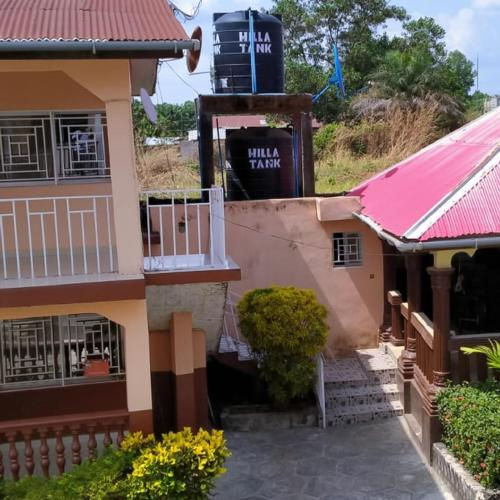 Madam Nelis Guest House, Bombali