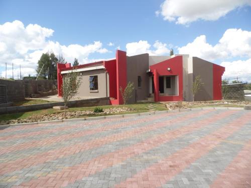 Qhanolla Guest House,