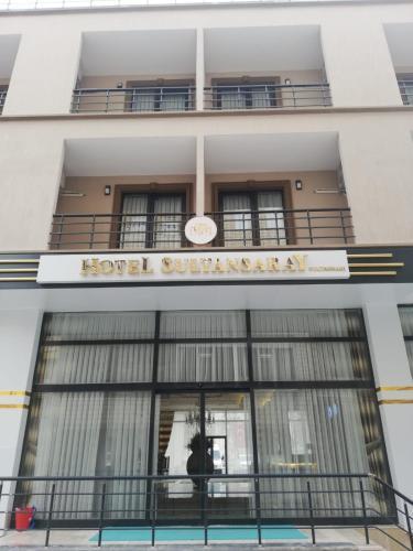 Hotel Sultansaray Sultanhanı, Merkez