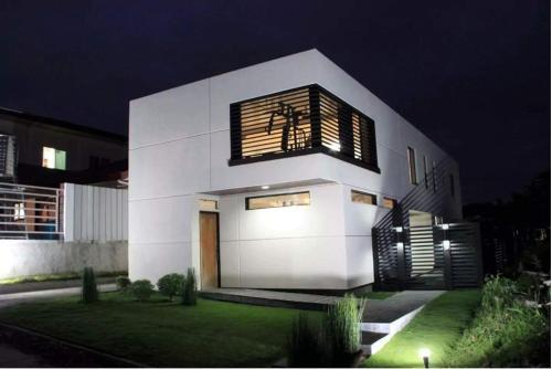 Modern Minimalist House 5min from SM Lanang, Davao City