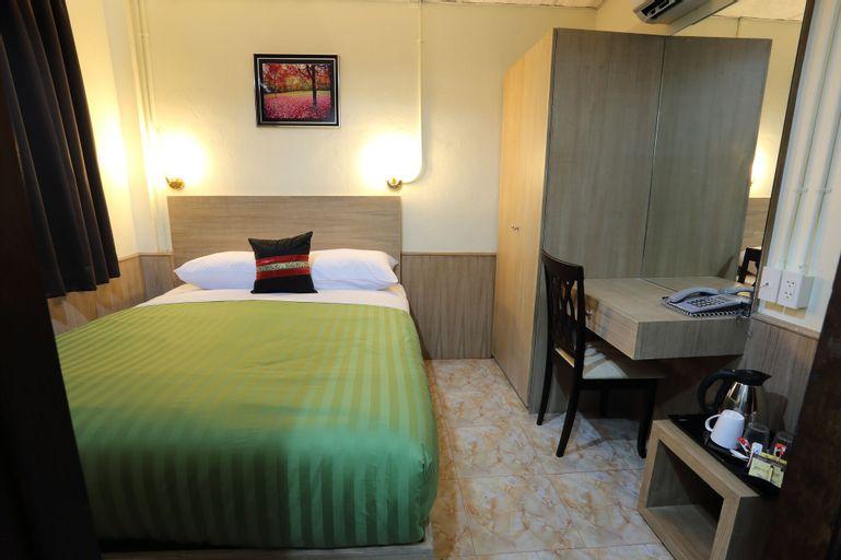 Sukhumvit 20 Hotel, Wattana