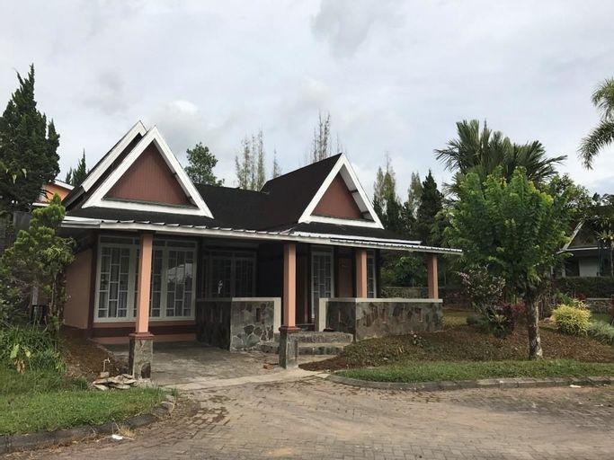 Villa Sofia Kota Bunga Puncak, Bogor