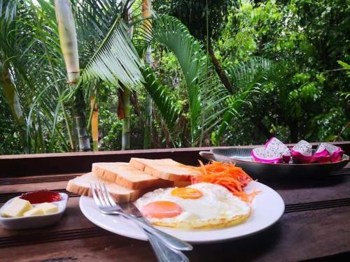 Hot Coffee Guest House and Resort, Mae Chaem