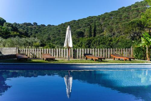 House with 3 bedrooms in Porto de Mos with wonderful mountain view shared pool furnished garden 30 k, Porto de Mós