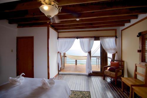 The Sea Cliff Hotel Resort & Spa,