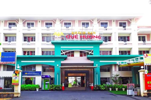 Que Huong Hotel, Long My
