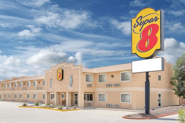 Super 8 by Wyndham Bloomfield, San Juan