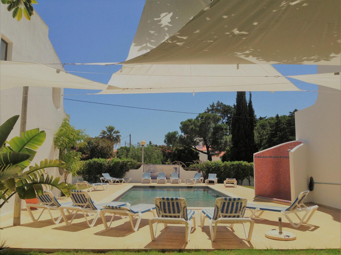 Apartment With 2 Bedrooms in Carvoeiro, With Shared Pool, Enclosed Garden and Wifi - 500 m From the Beach, Lagoa