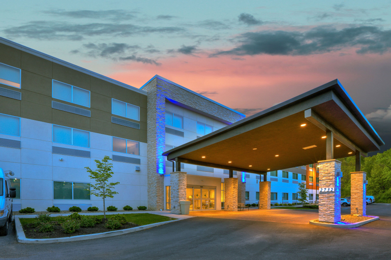 Holiday Inn Express & Suites New Castle, Lawrence