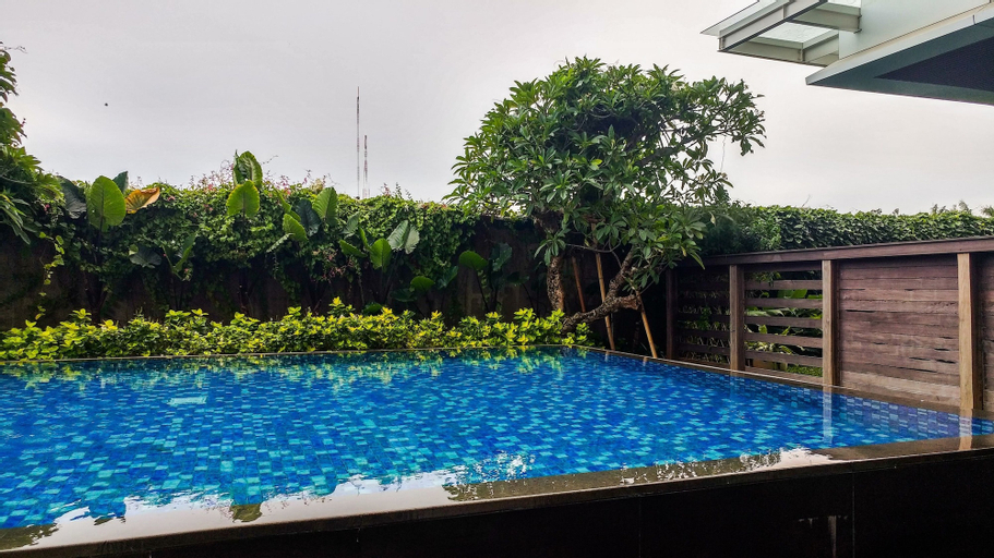 Spacious Elegant 2BR Veranda Residence @ Puri Apartment By Travelio, West Jakarta