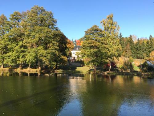 Meyana Lake Manor, Tachov