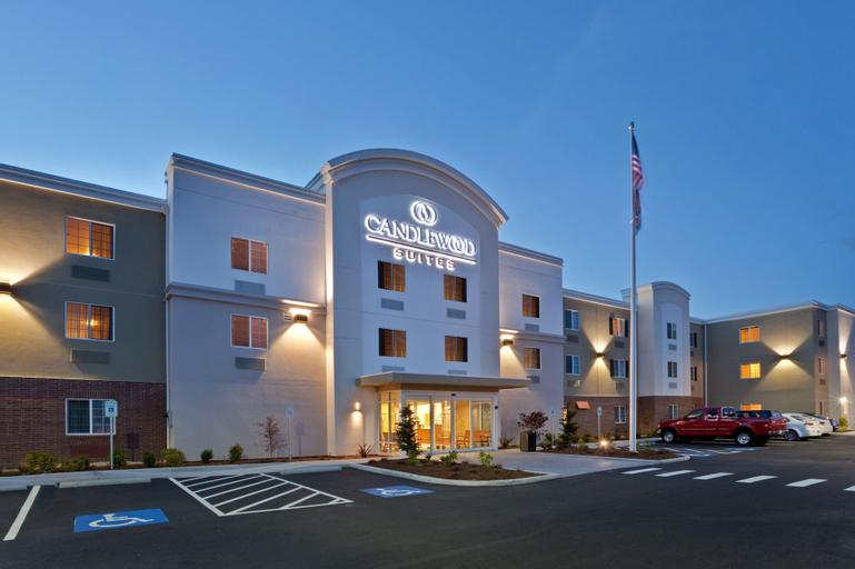 Candlewood Suites Lakewood, Pierce
