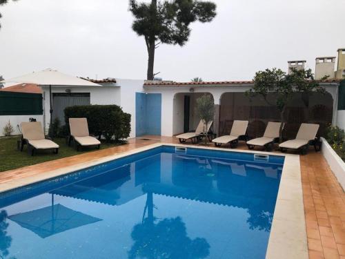 Caparica Pool Beach House, Seixal