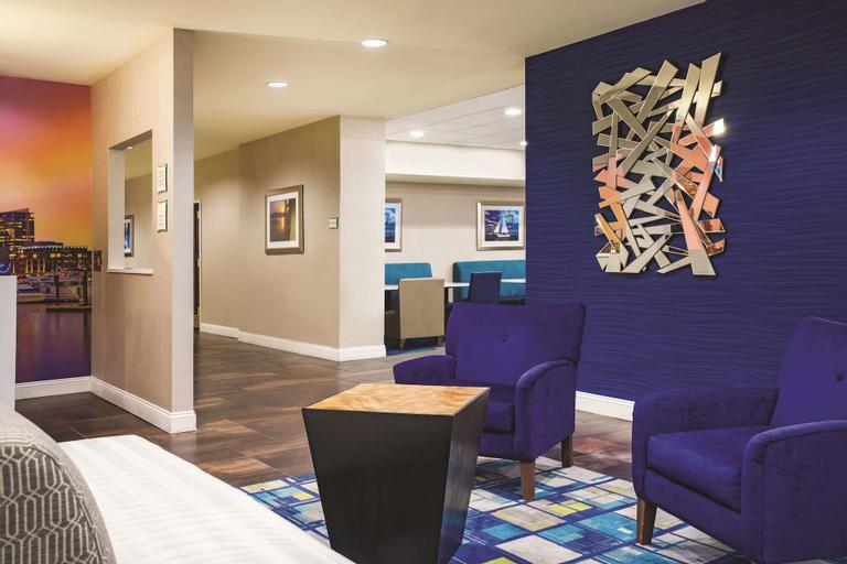 La Quinta Inn & Suites by Wyndham Baltimore S. Glen Burnie, Anne Arundel