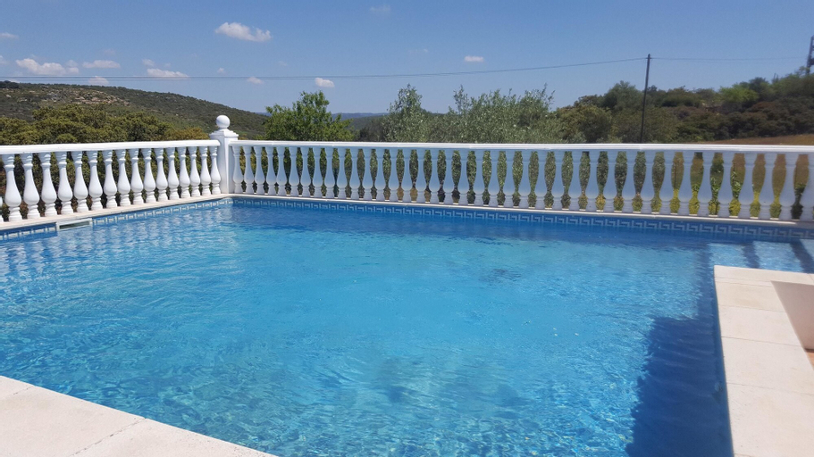 Villa With 3 Bedrooms in Loulé, With Private Pool, Enclosed Garden and Wifi - 16 km From the Beach, Loulé