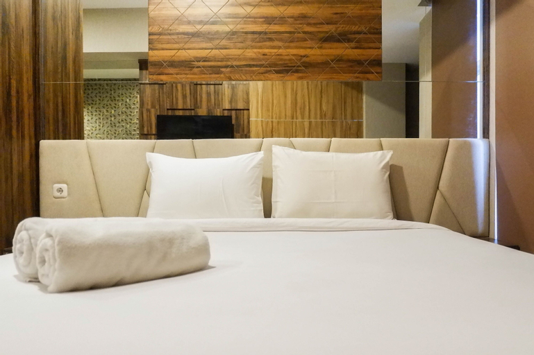 Nice and Cozy Studio Apartment Anderson Tower Supermall Mansion By Travelio, Surabaya