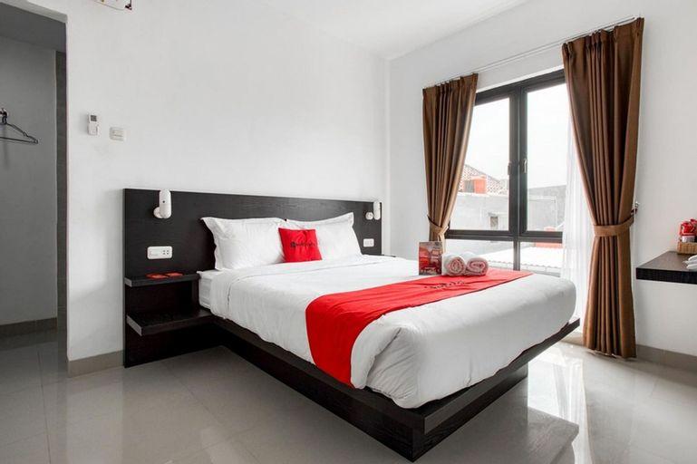 RedDoorz Plus near Season City Mall 2, West Jakarta