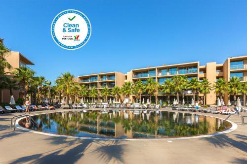 Salgados Palm Village Apartments & Suites - All Inclusive, Albufeira