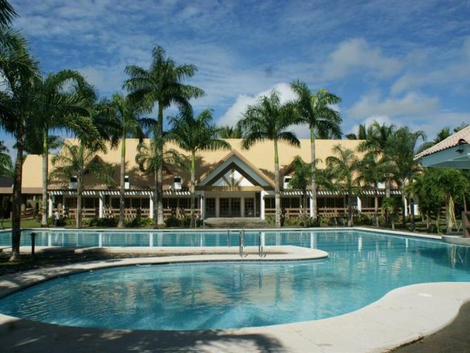 Pineapple Island Resort, Daet