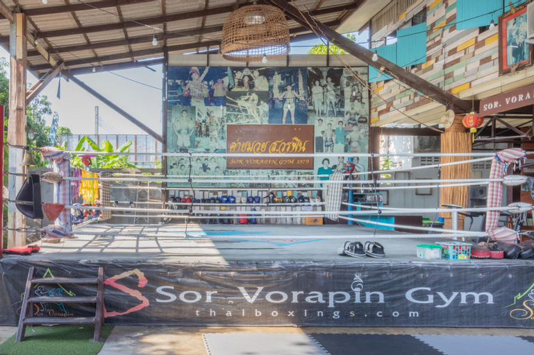 Sor Vorapin Muay Thai Home, Taling Chan