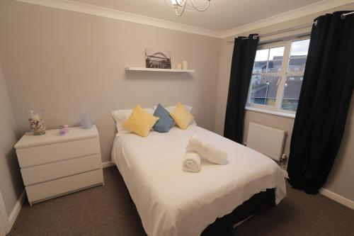 MODERN CITY TOWNHOUSE PERFECT FOR LARGE GROUPS, STAY UNDER One ROOF, JUST OVER THE TYNE, Gateshead