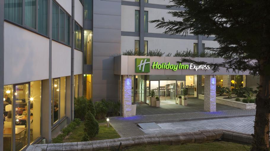 Holiday Inn Express Lisbon Airport, Loures