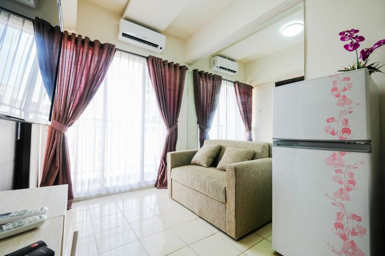 Modern Comfy 2BR Serpong Greenview Apartment By Travelio, Tangerang Selatan