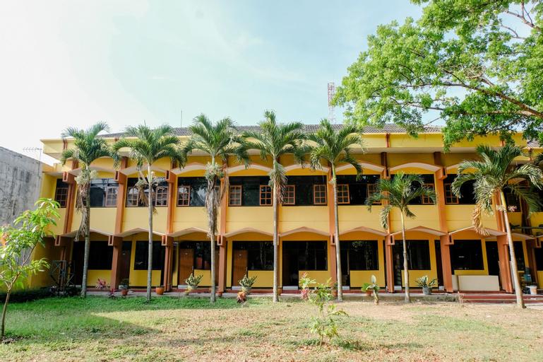 OYO 1342 Uniga Malang Family Residence, Malang