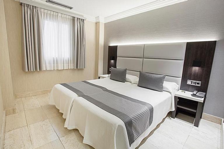 Hotel Europa, Navarra