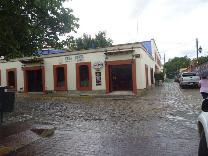 Casa Arnel, Del Centro