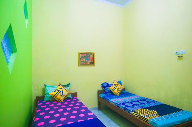 SPOT ON 2440 Wallet Family Residence Syariah, Lumajang