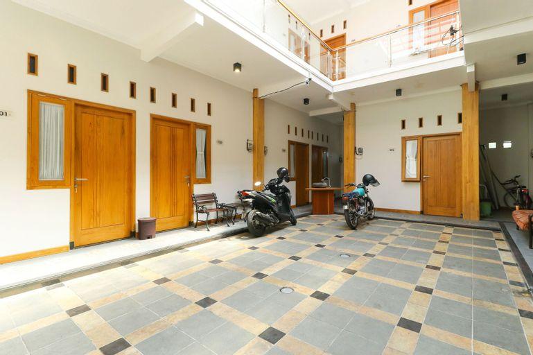 New Guesthouse Tatasurya Syariah, Malang