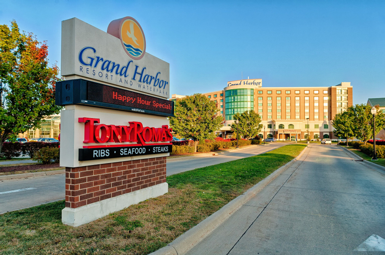 Grand Harbor Resort and Waterpark, Dubuque