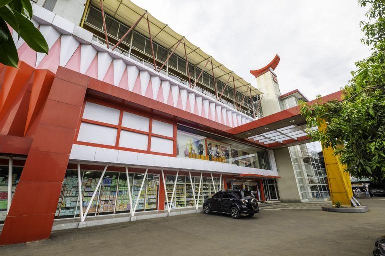 Capital O 1973 Guest House Toserba Selamat Syariah Pelabuhan Ratu, Sukabumi