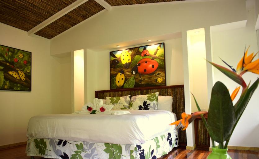 Hotel Quelitales, Paraíso