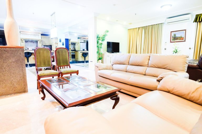 Classy 2BR With Sofa Bed Park Royale Apartment, Central Jakarta