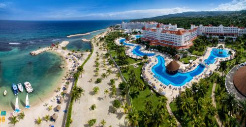 Bahia Principe Luxury Runaway Bay,