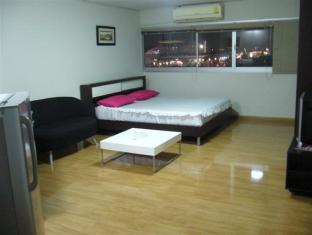 DMK Donmueang Guesthouse, Pak Kret
