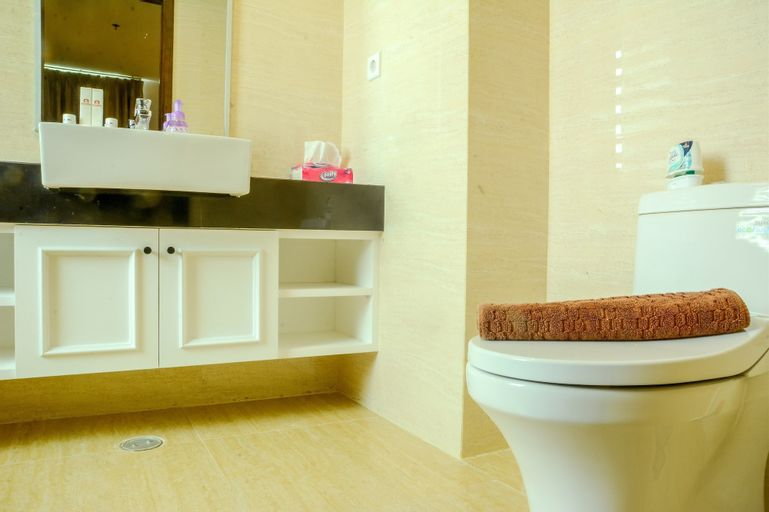 Cozy 4 Pax 2BR Apartment at Gallery West Residence By Travelio, Jakarta Barat