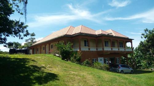 Middleground Mini Resort,