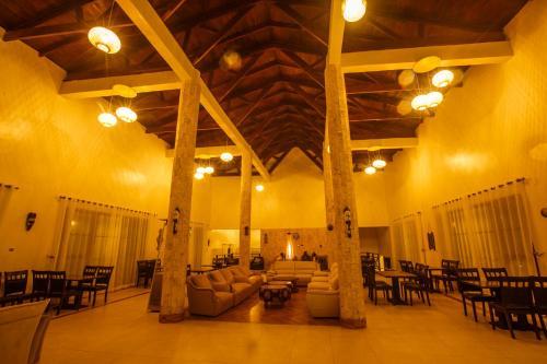 Gorilla Heights Lodge, Kinkiizi